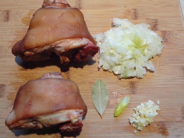 Beans and Ham Hocks Ingredients