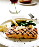grilled salmon with squash and green beans